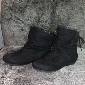 Girls black suede ankle boots- Faded Glory